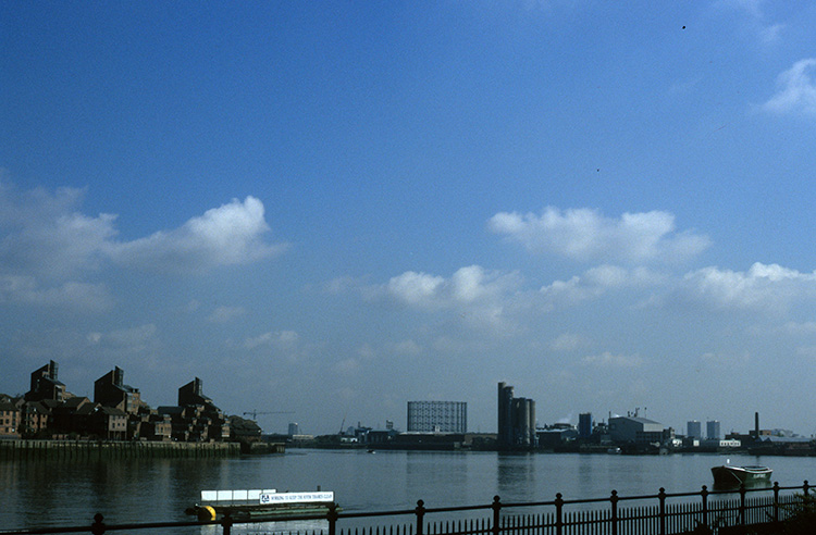 Isle of Dogs and Woolwich from west Greenwich riverfront, 1996