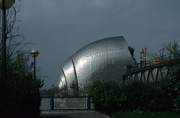 Thames barrier, Charlton, 1996