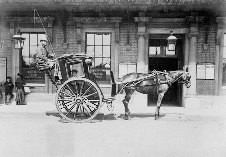 Thomas Tilling hansom cab at Greenwich station, 1884